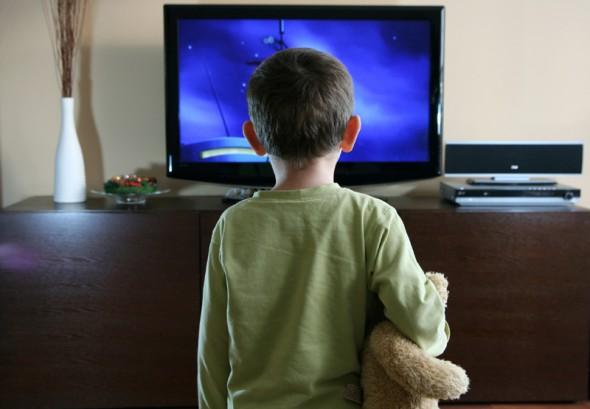 Copiii la televizor