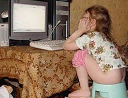 unii_copii_au_ajuns_dependenti_de_calculator
