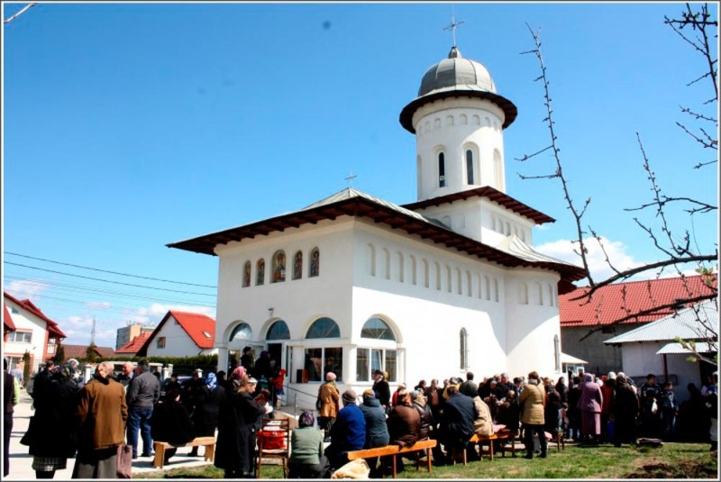 biserica-noua-in-cinstea-sf-ierarh-calinic-in-arges-1