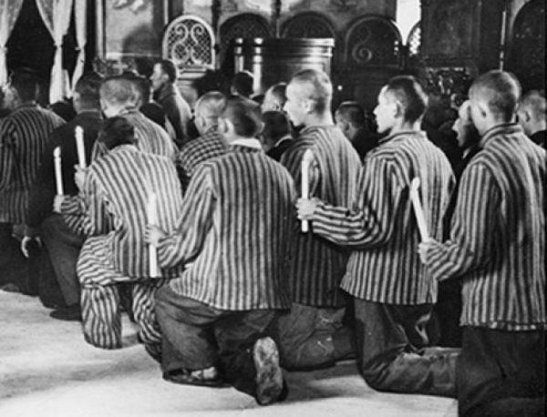 craciun-lumanari-detinuti-inchisoare