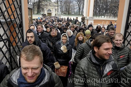 procesiune-tineri-ortodocsi-in-Rusia