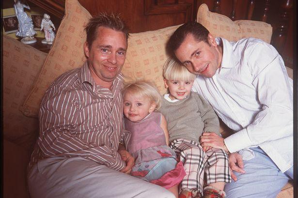Gay - Familie cu doi tati 2