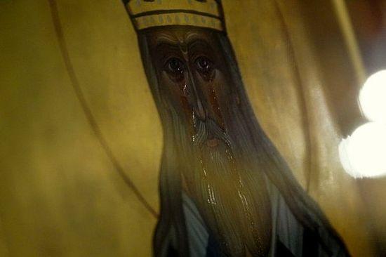 Icoana-Sfantului-Inochentie-al-Mosovei-izvoraste-mir