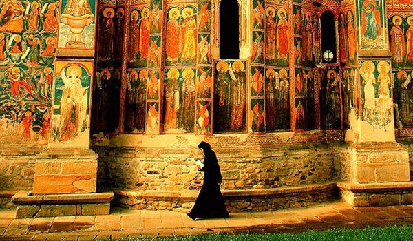 biserica-maica-monahie