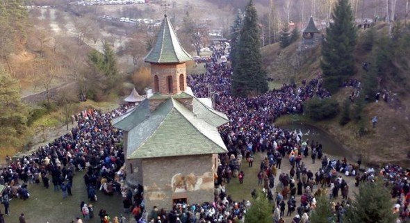 2-manastirea prislop pelerini
