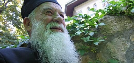 Parintele-Gheorghe-Calciu-Dumitreasa-Marturisitorii-Ro