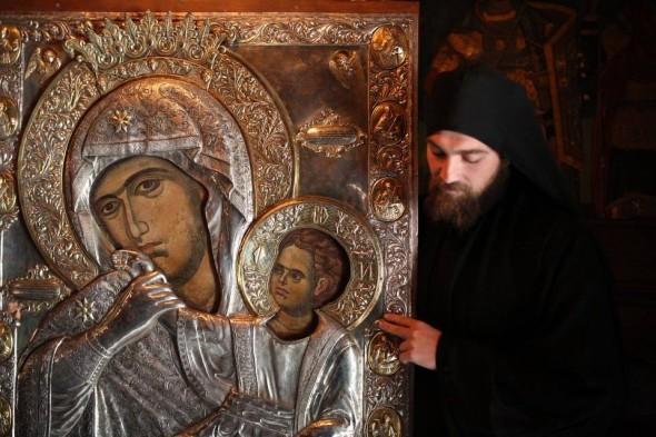 """Icoana făcătoare de minuni a Maicii Domnului """"Paramythia"""" de la Vatopedi (21 ianuarie)"""