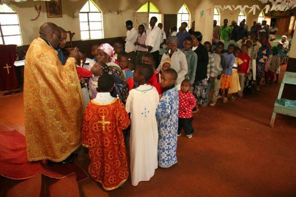 impartasanie-copii-biserica