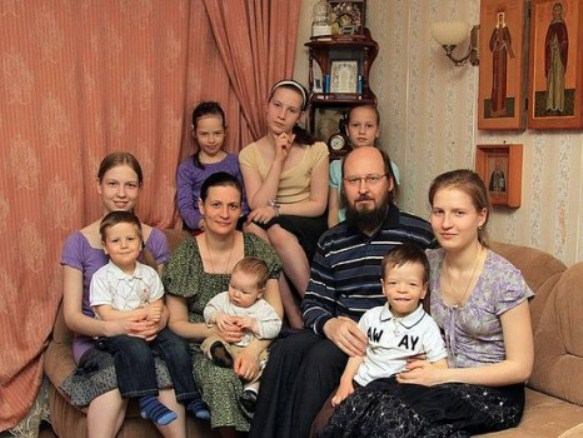 preotul si familia