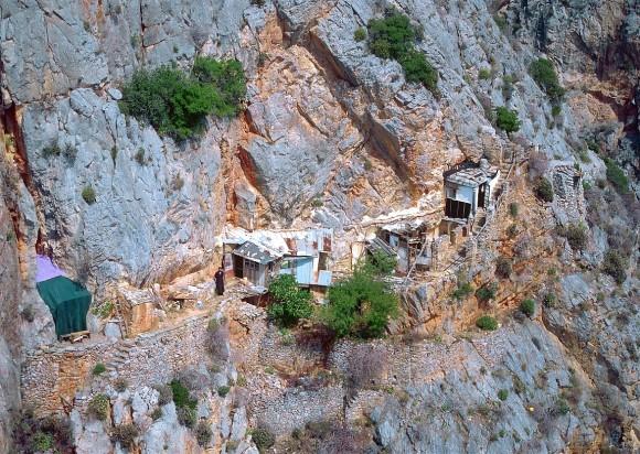 colibele monahilor sfantul munte