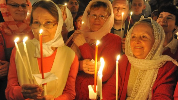 femei la biserica