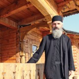 Fost director de bancă, Dan Ion spune că monahismul înseamnă în primul rând renunţare totală de sine