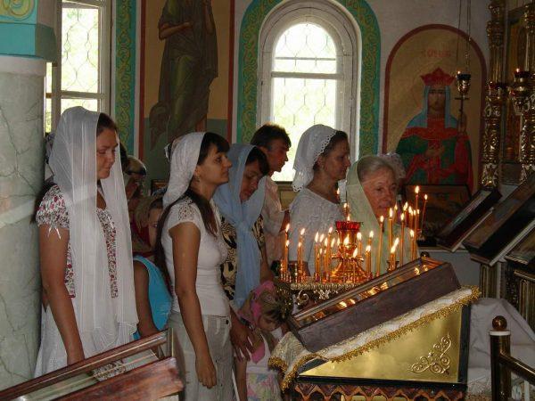 femei-biserica