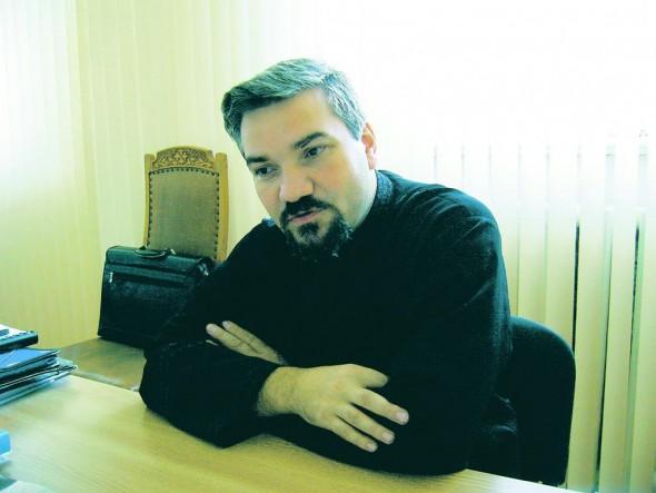 """Pr. prof. univ. Ioan C. Teşu, Facultatea de Teologie Ortodoxă """"D. Stăniloae"""" Iaşi"""