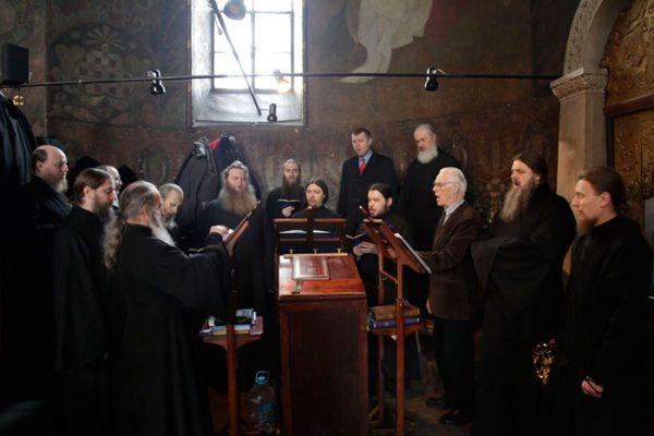 rugaciune-calugari-monahi-biserica