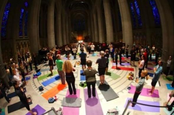 yoga_catedrala_catolica