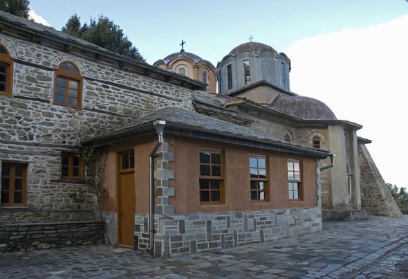 Schitul Înaintemergătorului, aparținând de Mănăstirea Iviron, loc în care s-a nevoit Cuviosul Nou Mucenic Ignatie