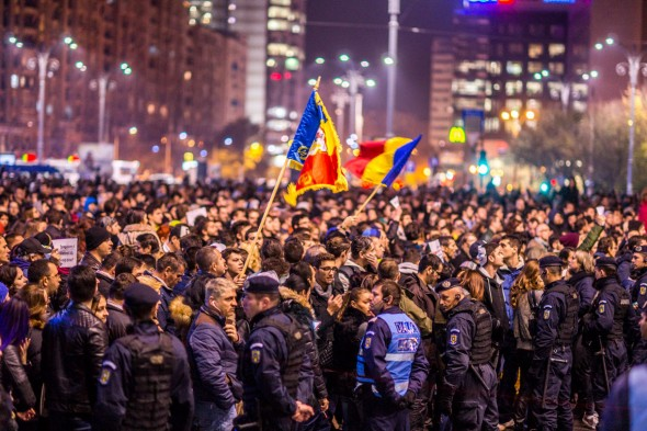 03-noiembrie-2015-manifestatia-de-la-Piata-Victoriei-32
