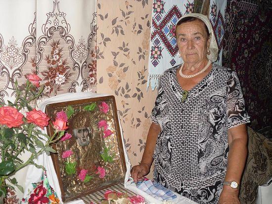 icoana sfantul nicolae se restaureaza singura rusia 2