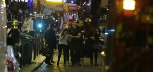 Scene de groază pe străzile Parisului