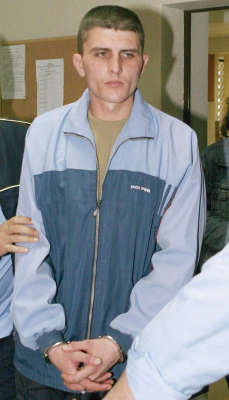 Marius Grădinaru, tatăl-monstruos, imediat după ce a fost arestat FOTO Mediafax