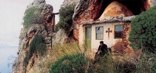 pustnici-sfinti-muntele-athos