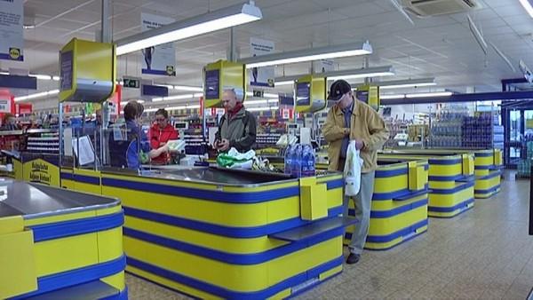Lidl-10-v-kauppa-myymälä-kassalinjoja-2-Pirkkala