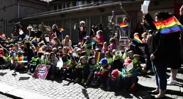 copii-si-homosexuali-1024x553