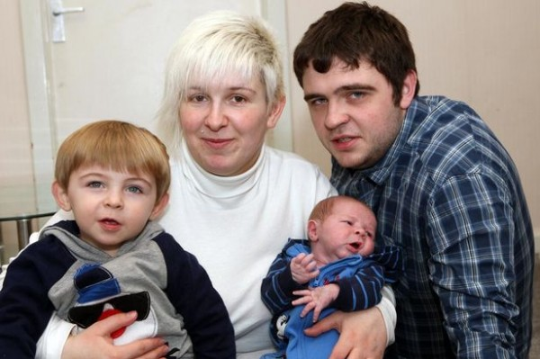 PAY-Vicki-with-partner-Keenan-and-sons-Ross-and-Jack-Harper