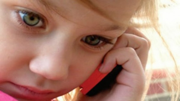 copil-telefon