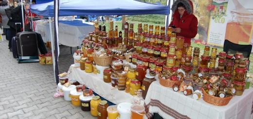 targ-produse-traditionale-piata-taraneasca-muzeul-satului-16