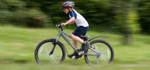 copil-pe-bicicleta