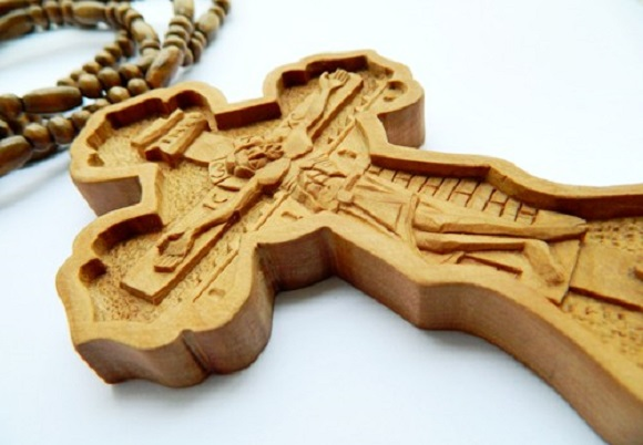 cruciulita-lemn-axios