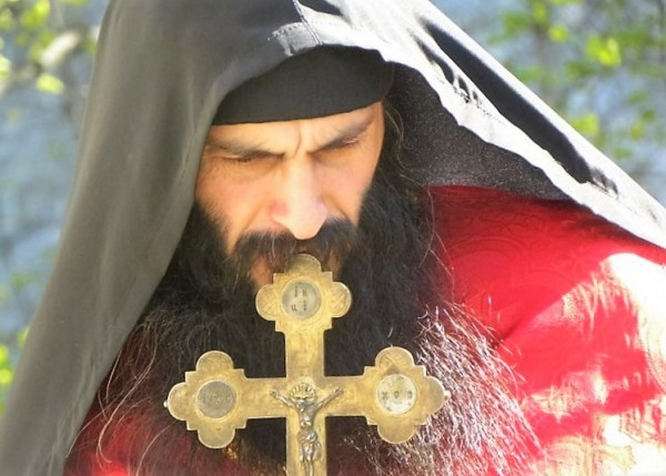 preot-cruce-monah-calugar