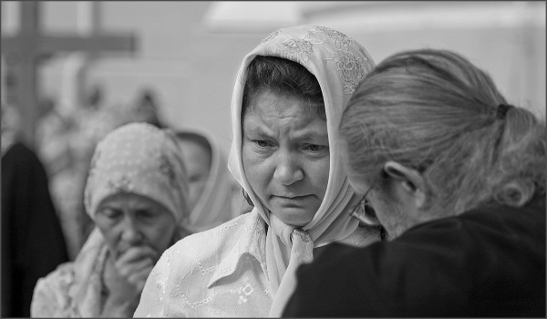 spovedanie-biserica-femeie