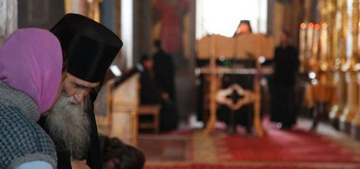 spovedanie-preot-calugar-monah-biserica
