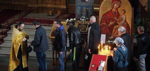 preot-timeri-biserica