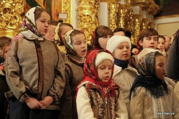 copii-biserica-rugaciune