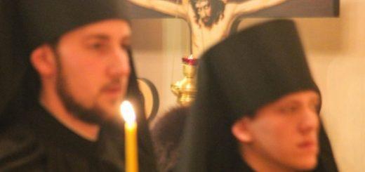 cruce-hristos-calugari-monahi-biserica-lumanare