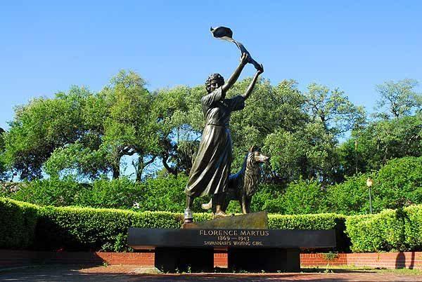 florence-savannah-statue-2