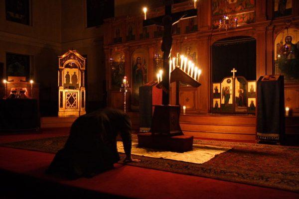 metanie-rugaciune-biserica-calugar-monah