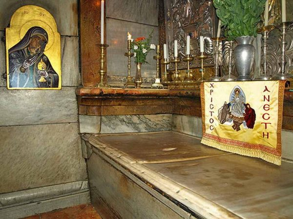 interior-mormantul-sfant-ierusalim