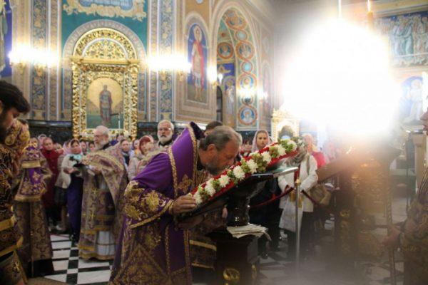 minune-preot-biserica-lumina-sfanta-cruce